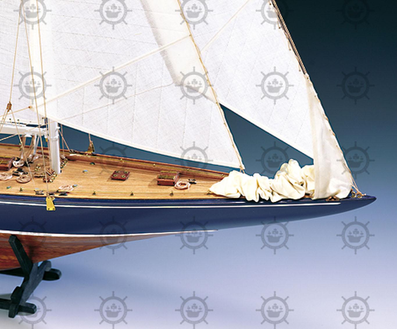 Endeavour 1934 Yate de Regata | Modelismo Naval